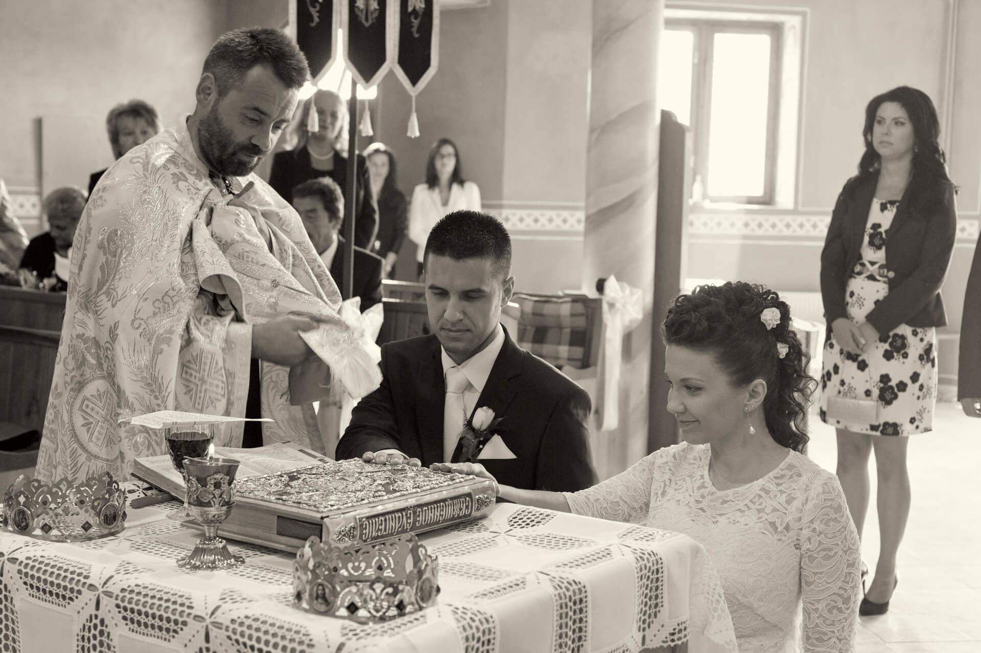 svadba svadobny kostol obrad profesionalne fotenie fotograf Peter Norulak Kosice__11